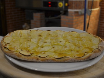Foccacia with apples and caramel