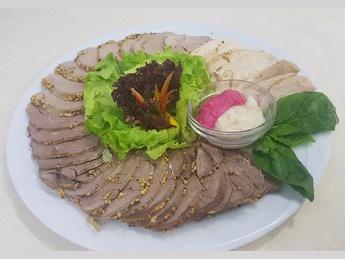 Delicatese asortate din carne