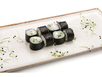 Maki with cucumber and cheese
