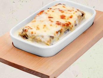Lasagne with sauce Beshamel