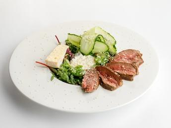 Veal steak salad