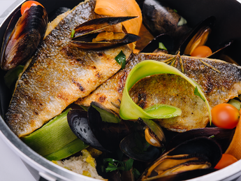 Fillet of sea bass with mussels and white wine