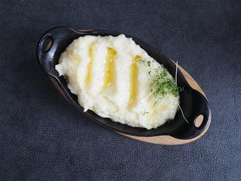 Mashed potatoes with fragrant truffle oil