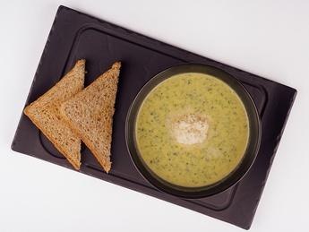 Суп крем со шпинатом и креветкой
