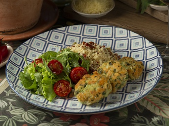 Salmon and shrimp cutlets with couscous