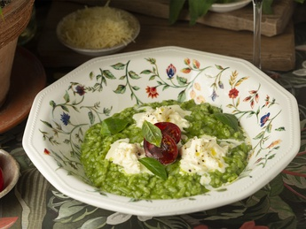 Risotto with pesto and stracciella