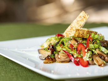 Hot grilled salad with tofu
