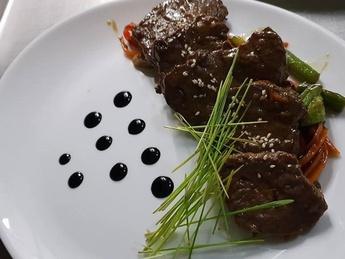 Carne de vițel în sos de stridii