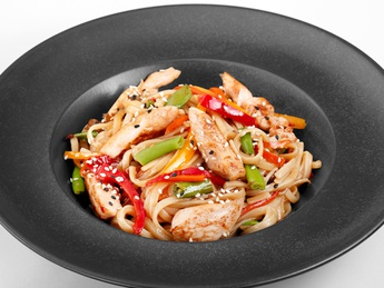 Udon noodles with chicken