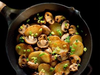 Картофель по домашнему с грибами