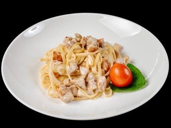 Pasta Carbonara with chicken ham