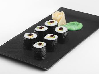 Maki with avocado