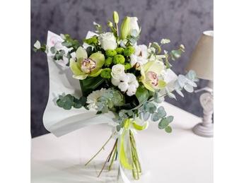 White-green bouquet