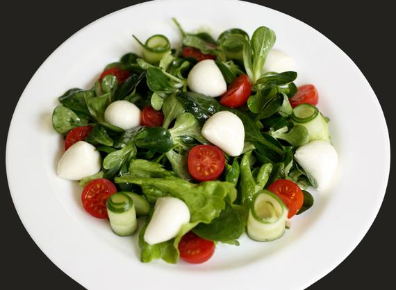 """Mozzarela Perle"" salad"