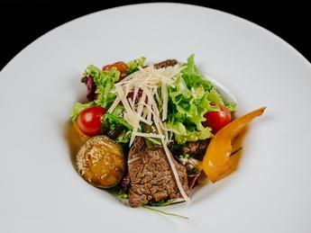Beef salad with grilled vegitables