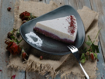 Raw Vegan Love Cake
