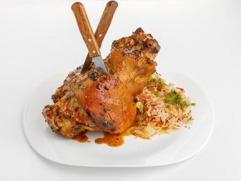 Pork shank with sauerkraut