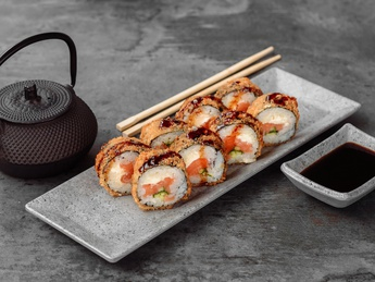 Roll Tempura Salmon