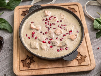 Salmon in nut sauce Bazhe