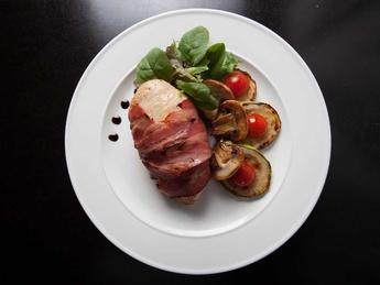 Carne de pui implut cu cascaval